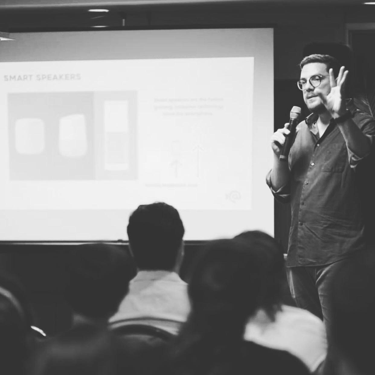Marketing Conversacional, Chatbots, Voicebots, Digital Assistants, Smart Speakers